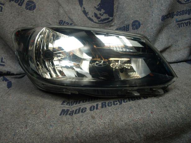 Lampa przednia prawa VW Caddy 10-15 rok oryginał europa 2K5 uszkodzona