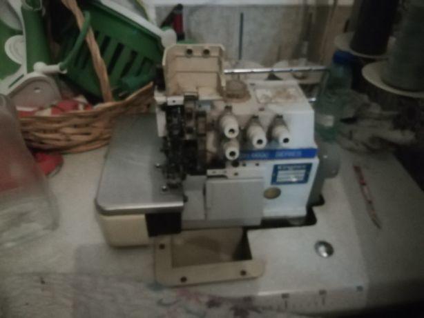 Maquina de corte e cose