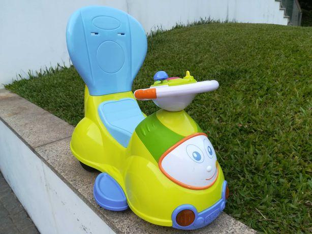 """""""Triciclo"""" - Chicco quatro cavalgável"""