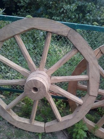 Продам деревянные колеса 60-х годов