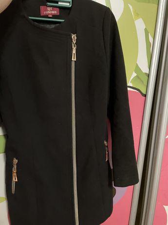 Жіноче осіннє пальто 48 розміру
