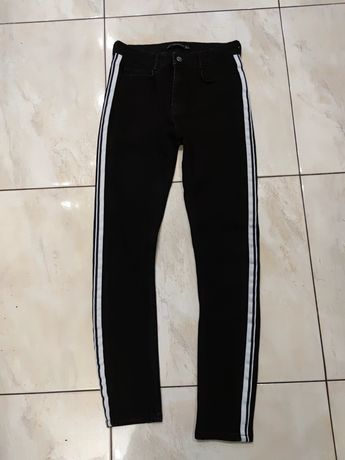 Czarne jeansy rurki z lampasem ZARA rozm 36 wysokim stanem