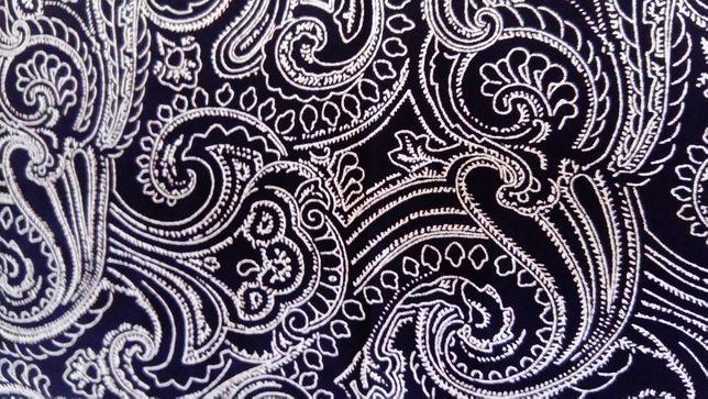 Czarna długa spódnica w turecki wzór, rozmiar 40