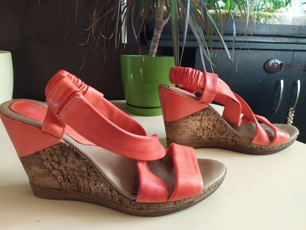 Женская обувь. Босоножки, кеды Ботильоны