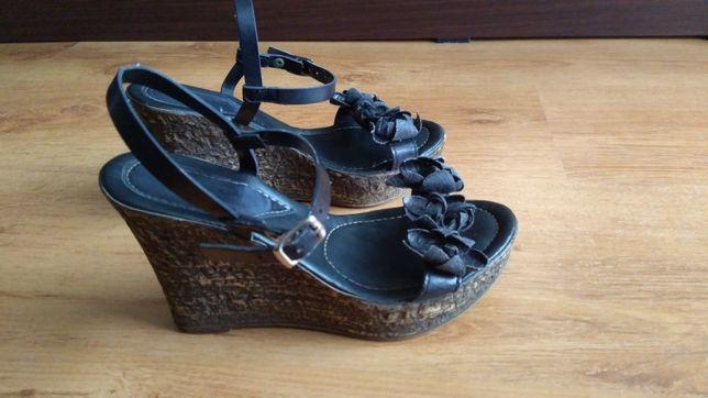 Czarno brązowe sandałki na koturnie Stella 36