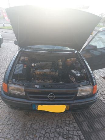 Vendo Opel astra f 1.4i posso aceitar troca por outro carro