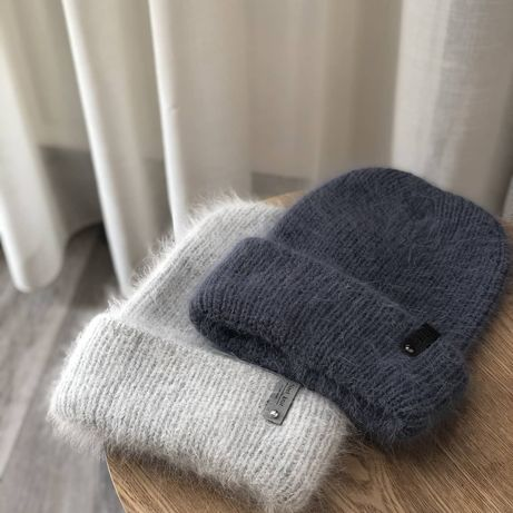 Вязанные шапки, варежки, снуды