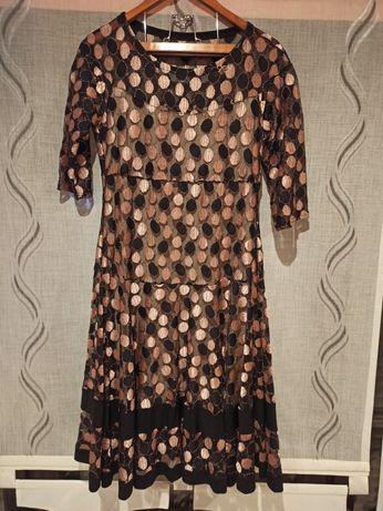 Sukienka w błyszczące grochy roz 44