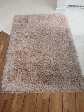 Różowy dywan 120x170