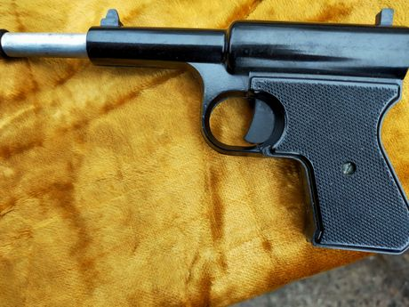 Sprzedam Pistolet na srut produkcji Czechy