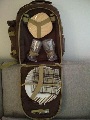 Plecak piknikowy z wyposażeniem dla 2 osób