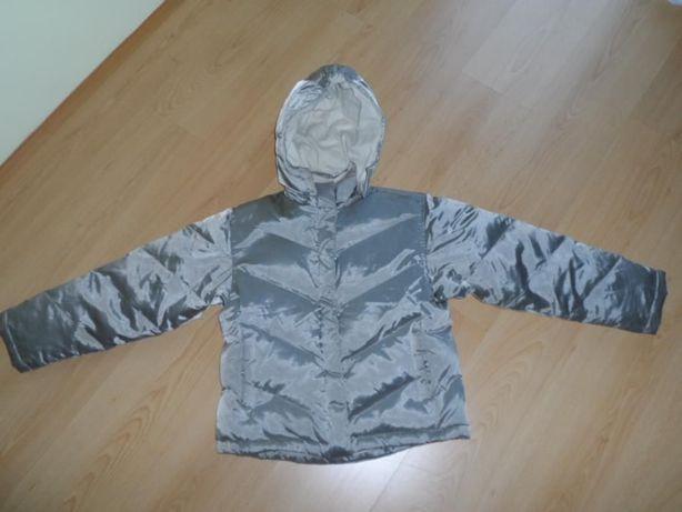 Modna SREBRNA,pikowana kurtka z kapturem 36/38 jak nowa