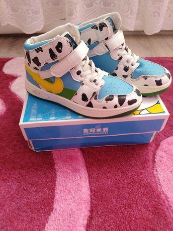 Классные хайтопы, кроссовки, ботинки для девочки 36 р.