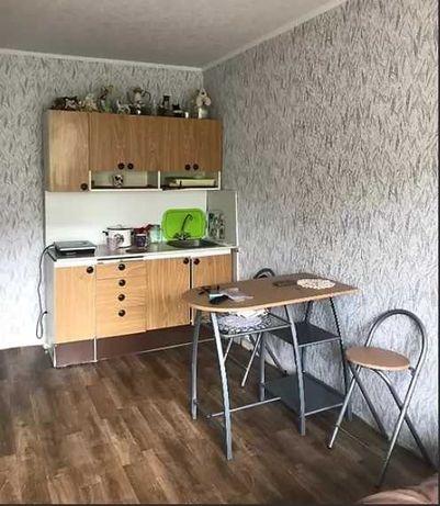 Продам 1 комнатную гостинку со своими службами и кухней. S5