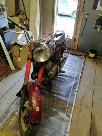 мотоцикл Ява с запчстЯми новыми и бу за 10000 грн