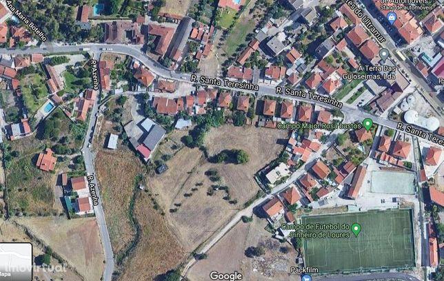 Terreno urbano para habitação em Loures