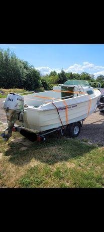 łódź motorowa kabinowa wedkarska