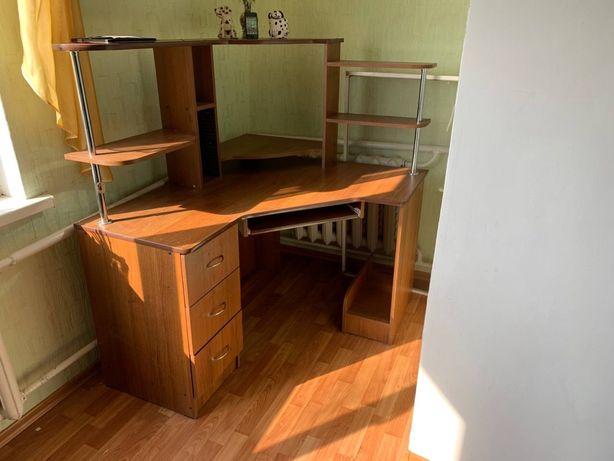 Компютерний ( письмовий )стіл