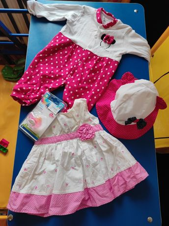 Набор для девочки от 0 до 1 года.Платье,костюм,соска,панамка,шляпка