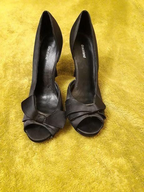 Продам женские вечерние туфли р 39.