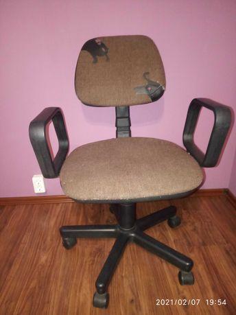 Fotel biurowy obrotowy