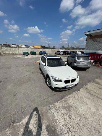 Авто BMW X1 2013год