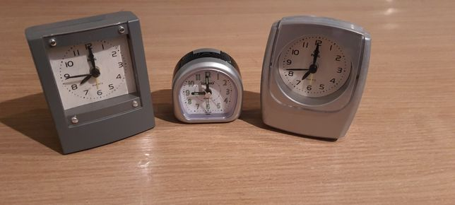 Часы настольные (3 штуки)