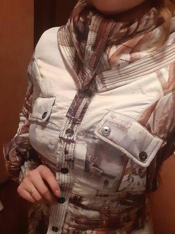 Женская куртка.Италия,с фотопринтом.Разм 46.