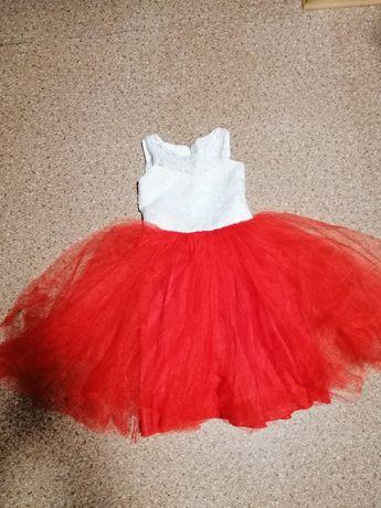 Нарядное платье на девочку на рост 98-104