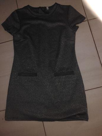 Sprzedam sukienkę 146cm