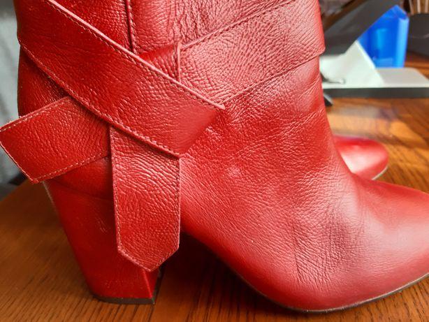 eleganckie czerwone botki Kazar