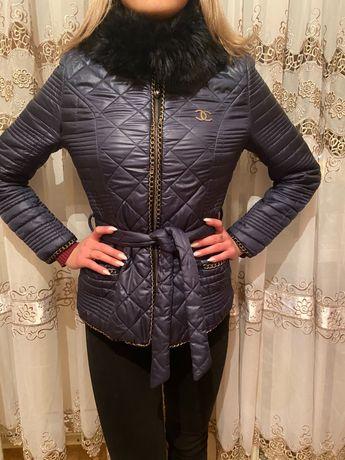 Продам теплую женскую курточку