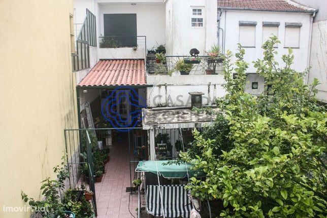 Prédio para venda ao Jardim do Marquês no Porto