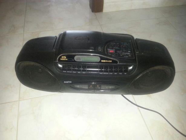 baixa de preço - Rádio com leitor de CD e dupla cassete