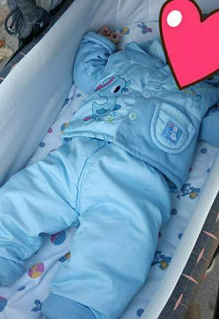 Продам утеплённый костюм (осень-весна) 4-6 месяцев
