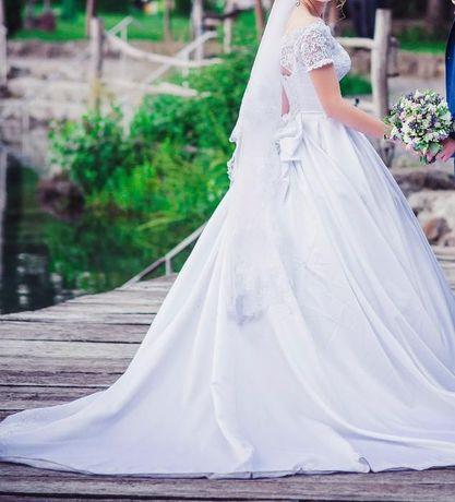 Весільна сукня, пляття.