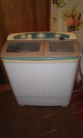 Срочно продам стиральную машинку полу автомат