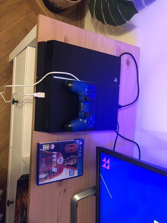 Konsola ps4 playstation 4 500gb + pad + gra