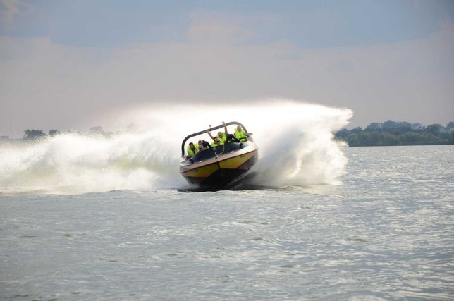 Ekstremalny Rejs SpeedTaxi po Zbiorniku Jeziorsko Mega Zabawa
