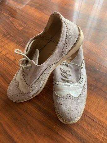 Sapatos bege bom estado