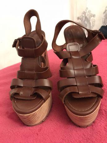 Vendo sandálias zara