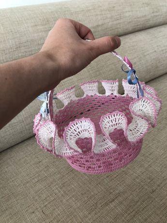 Koszyczek wielkanocny ręcznie robiony szydełkowy