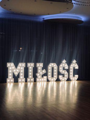 Żarówkowy napis MIŁOŚĆ/plener/dekoracja/wesele