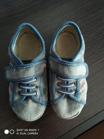 Мокасины, ботинки, кроссовки 26 р