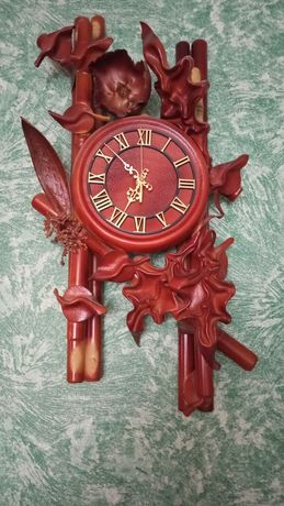 Часы комнатные из кожи