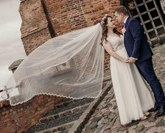 Suknia ślubna szyta na wymiar 40-42 ivory z długim welonem brave ecru