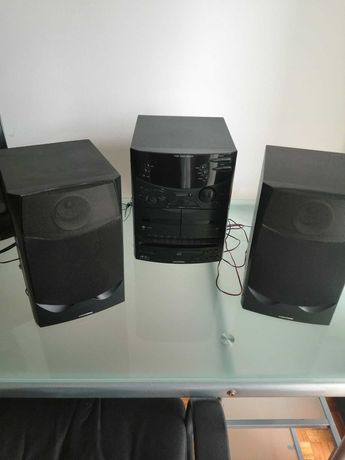 Aparelhagem e colunas ( Tem CD, Cassetes e rádio)