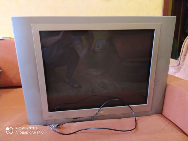Продам большой  телевизор Philips