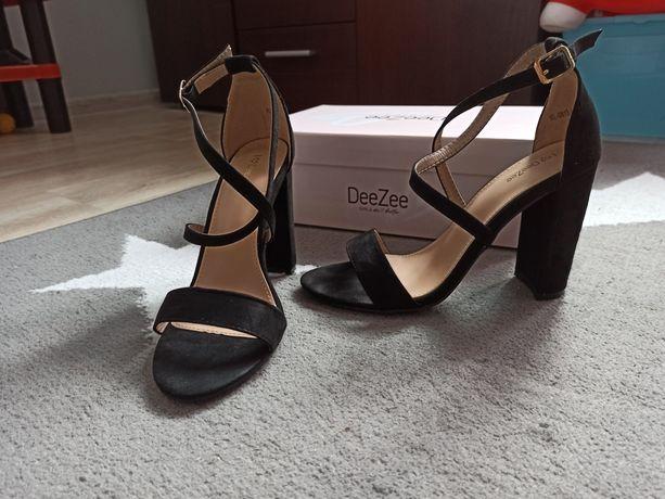 Sandałki DeeZee na słupku r. 37 (2 razy noszone)