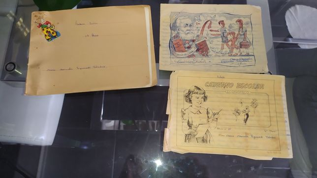 Conjunto antigo de 3 cadernos diários escolares com mais de 70 anos